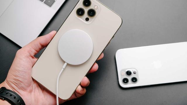 Apple quer melhorar carregamento sem fios do próximo iPhone
