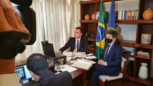 Pfizer diz que não aceita condições de Bolsonaro para vender vacina ao Brasil