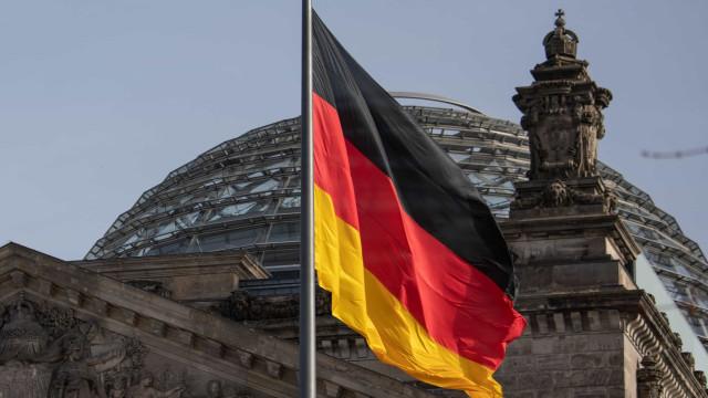 Alemanha põe partido de direita radical sob investigação