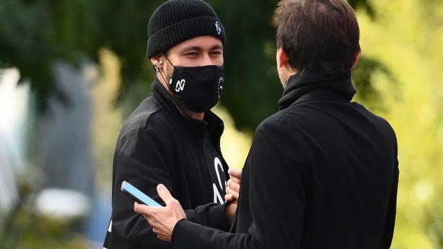 Diretor do PSG, Leonardo revela que a renovação de Neymar está bem encaminhada
