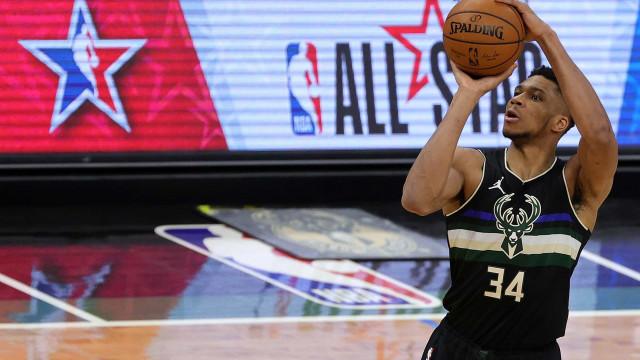 Com brilho de Antetokounmpo, Bucks batem Pelicans pela NBA; 76ers lideram Leste