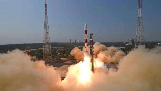 Primeiro satélite totalmente brasileiro, Amazonia 1 é lançado e opera no espaço