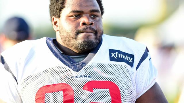 Ex-jogador da NFL encontrado morto no fundo de um lago