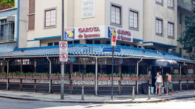 Restaurantes tentam resistir ao mais grave momento da Covid