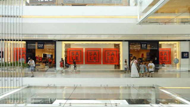 Com restrições, lojista de shopping fala em demissões e tenta renegociar aluguel