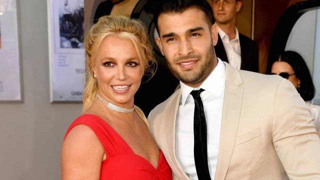 Namorado de Britney Spears é visto em joalheria e gera boatos de noivado