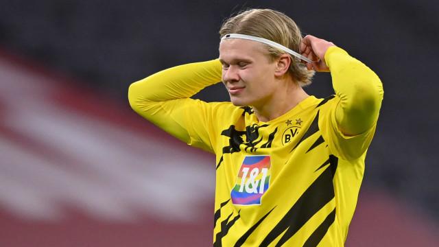 Haaland retorna com dois gols em vitória sobre o Mainz e coloca Dortmund na ponta