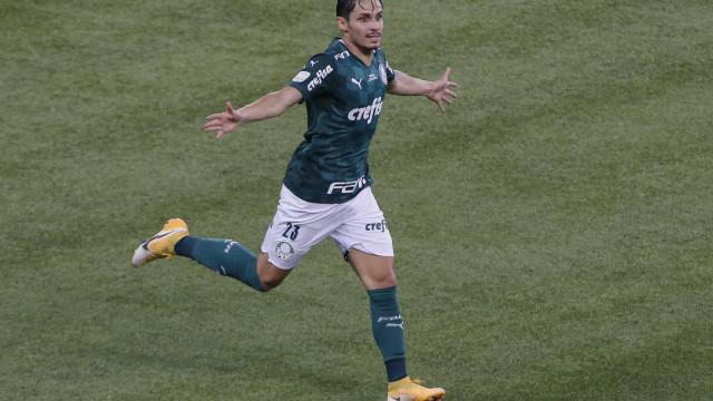 Raphael Veiga fecha ano perfeito como o melhor da Copa do Brasil após título