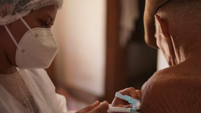 Covid-19: vacinação em Serrana (SP) imuniza mais de 97% da população