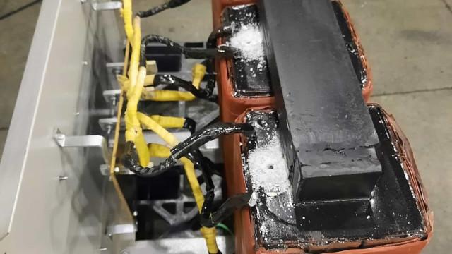Receita Federal apreende 6 kg de cocaína em transformador em Viracopos