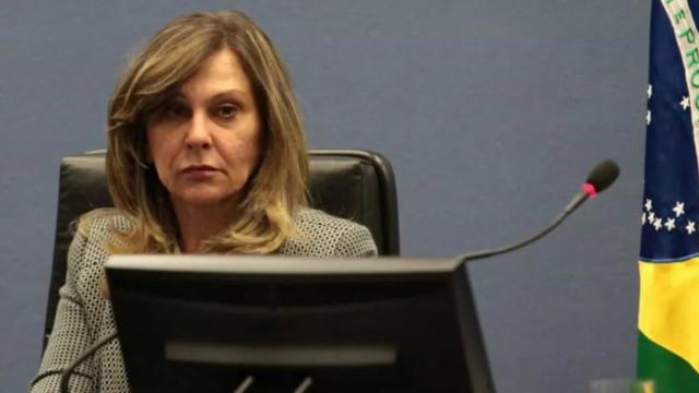 Aliada de Aras relativiza mortes da pandemia no STJ: 'Estão politizando o covid'