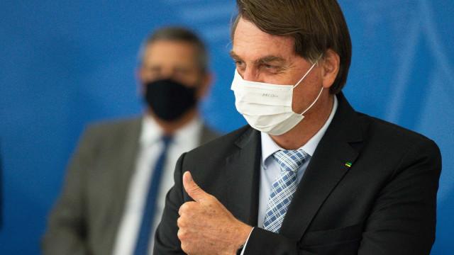 Rejeição a Bolsonaro na gestão da pandemia bate recorde e vai a 54%