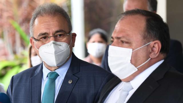 Temos dois ministros da Saúde e não temos nenhum, diz Doria
