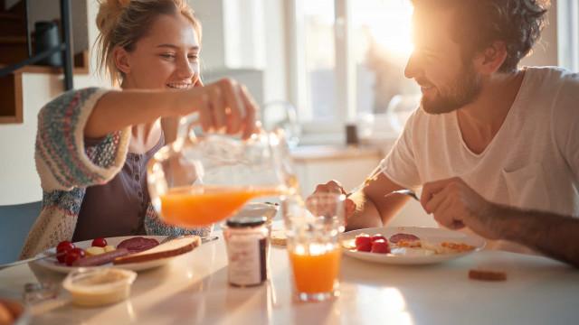 Suco de fruta no café da manhã? Não é uma boa ideia...