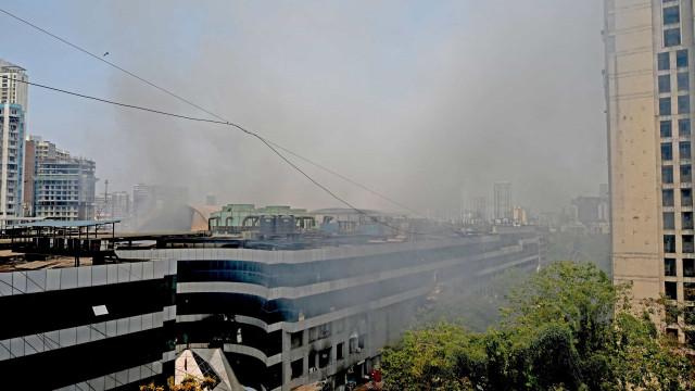 Incêndio em hospital contra Covid-19 mata ao menos 82 em Bagdá