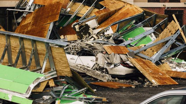 Tornados fazem pelo menos cinco mortos e vários danos no Alabama