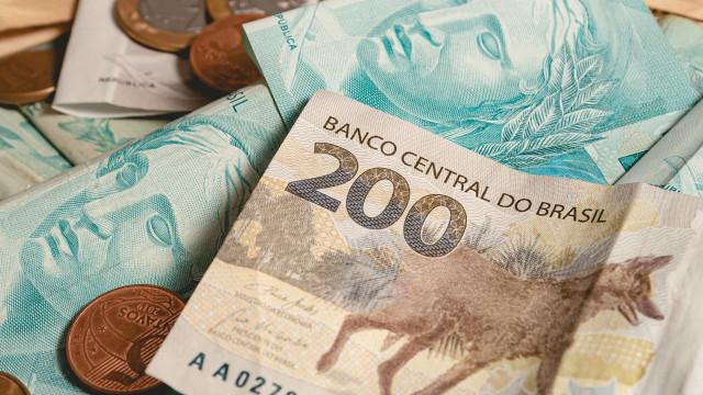 Receita deposita dinheiro do 3º lote do IR 2021 nesta sexta (30)