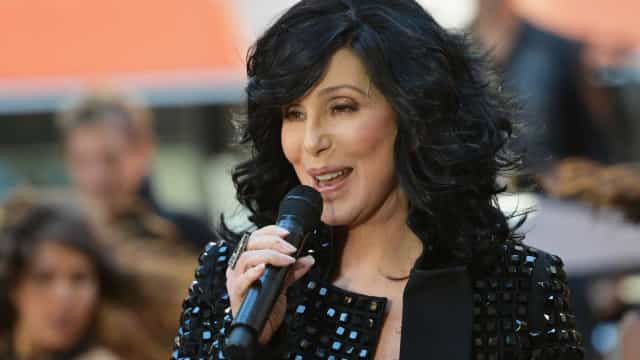 'Believe' de Cher é a música mais ouvida da cantora no Brasil