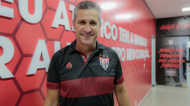 Atlético-GO anuncia contratação do técnico Jorginho