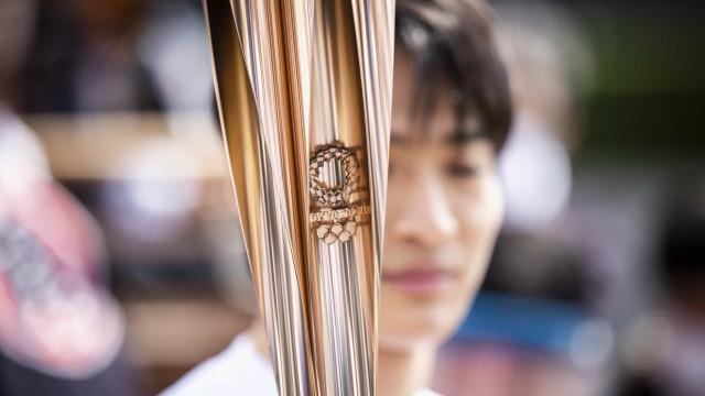 Osaka proíbe passagem nas ruas da tocha olímpica devido à situação sanitária