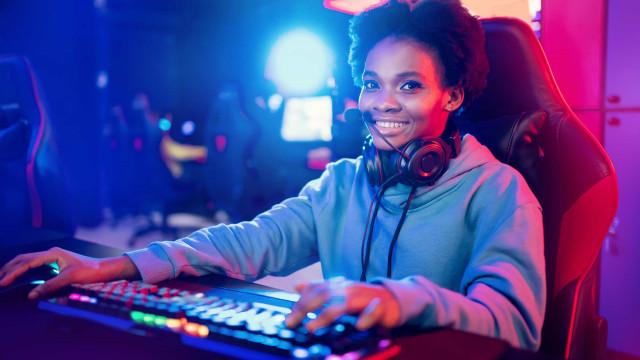 Negros são maioria entre os gamers no Brasil, mas não veem o seu reflexo nas telas