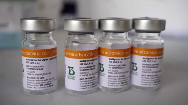 Anvisa descarta que Butantan fabrique frascos de Coronavac com menos doses