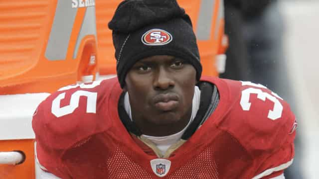 Ex-jogador da NFL Phillip Adams mata cinco pessoas e se suicida nos EUA