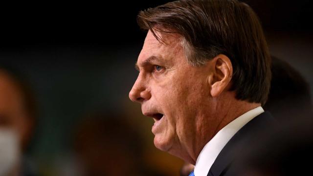 Bolsonaro diz que 'tratoraço' é invenção e chama jornalistas de 'canalhas'