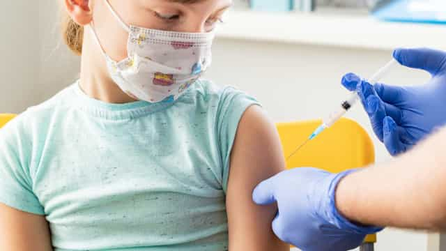 Crianças e gestantes já podem tomar vacina contra a gripe em SP