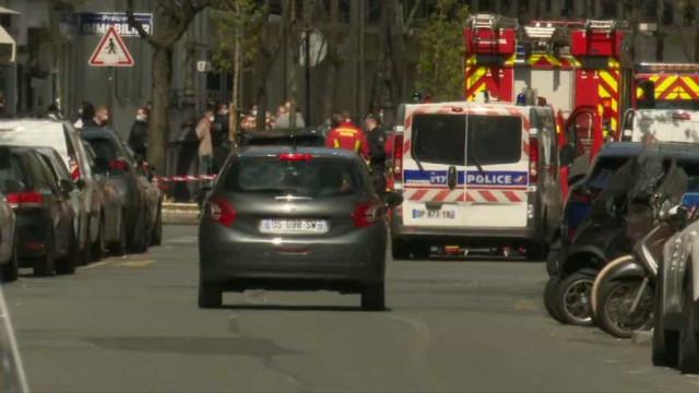 Um morto e um ferido em tiroteio junto a hospital em Paris