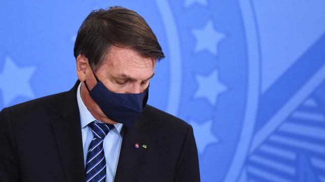 Telefonema e bate-boca ampliam desgaste de Bolsonaro com Poderes