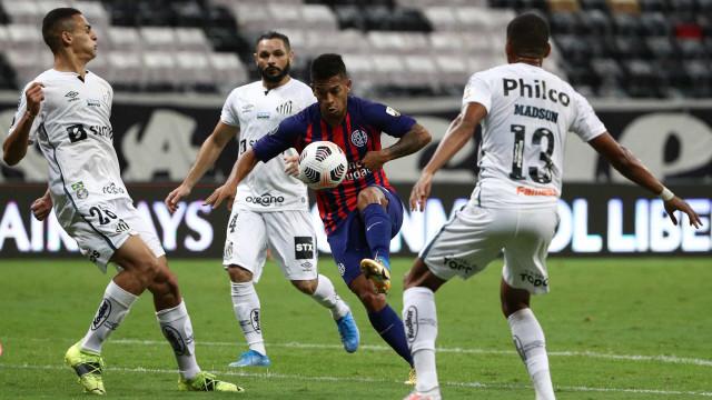 Santos empata com San Lorezno em Brasília e vai à fase de grupos da Libertadores