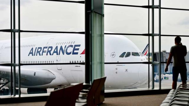 França suspende todos os voos do Brasil por tempo indeterminado