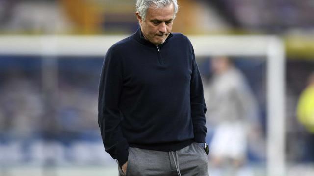Imprensa inglesa avança que José Mourinho foi despedido