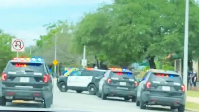 """Tiroteio deixa três mortos após """"disputa doméstica"""", suspeito fugiu"""