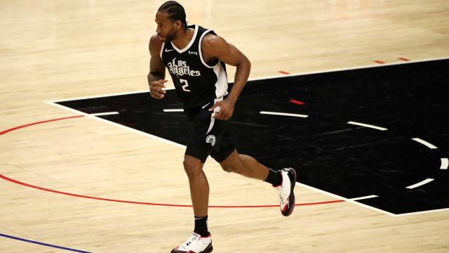 Kawhi Leonard volta após lesão e Clippers vencem Timberwolves em rodada da NBA