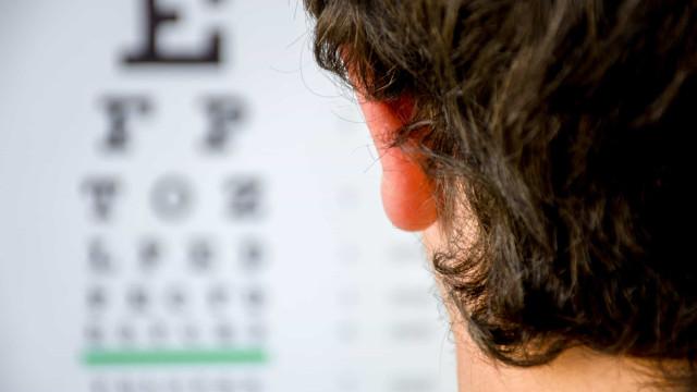 Confinamento na pandemia faz crescer casos de miopia em crianças