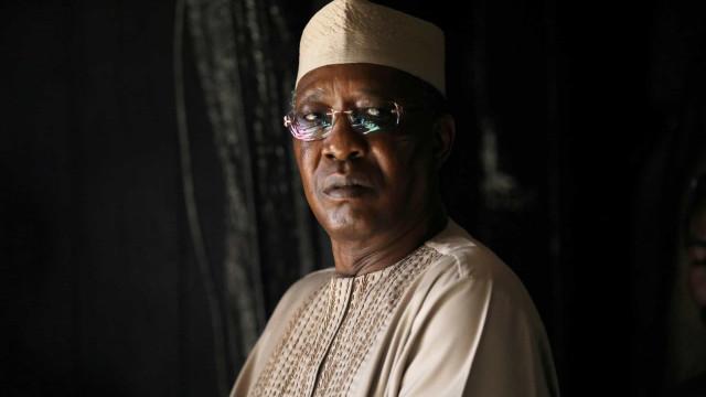 Presidente do Chade morre após ser ferido na frente de combate