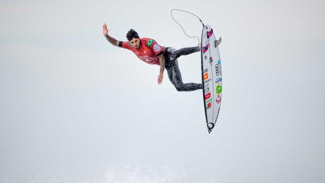 Com série de aéreos, Medina ganha etapa na Austrália; Tatiana Weston-Webb é vice