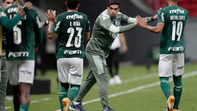 Abel cita união do Palmeiras e usa Deyverson como exemplo de 'espírito coletivo'