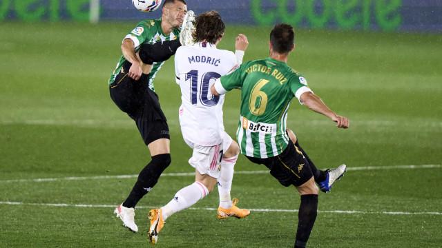 Real Madrid empata em casa e se complica na briga pelo título do Espanhol