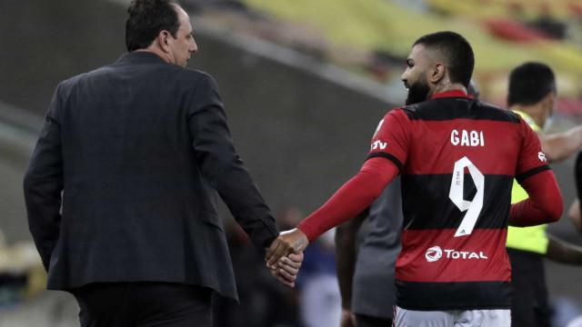 Com defesa em alta, Flamengo recebe Coritiba para avançar na Copa do Brasil