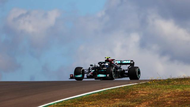 Bottas supera Verstappen e lidera 1º treino livre para o GP de Portugal