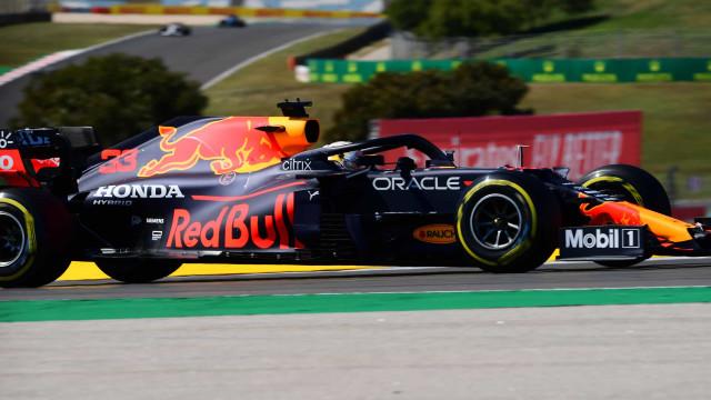 Com queda de temperatura, Verstappen é o mais rápido no 3° treino livre na França