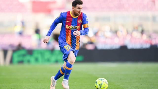 Messi renovará com o Barcelona por cinco anos, diz imprensa catalã