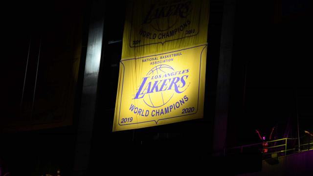 Lakers perdem outra, somam 6 derrotas seguidas e fecham pré-temporada sem vencer