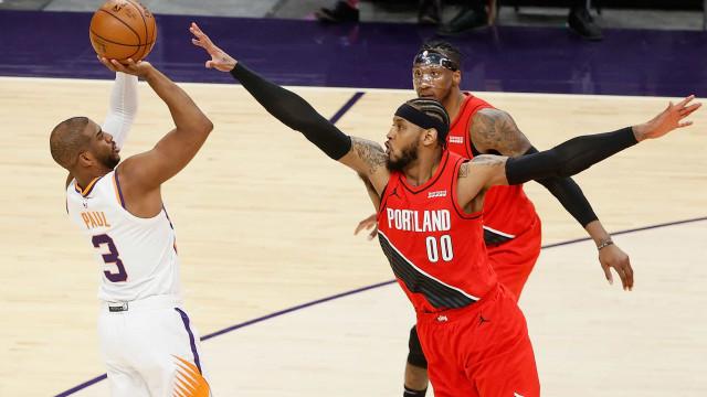 Suns derrotam Blazers e adiam classificação do rival para os playoffs da NBA