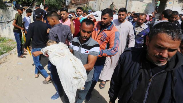 Em plena pandemia, hospitais de Gaza lidam agora com feridos em ataques