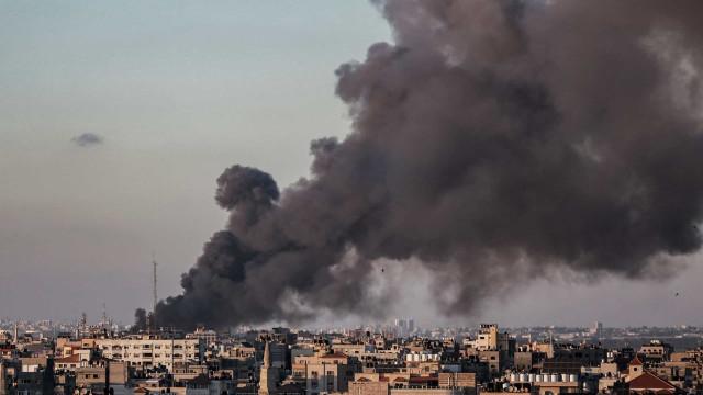 Ataques de Israel deixam mais mortos e destroem prédio da imprensa em Gaza