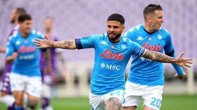 Napoli ganha da Fiorentina e depende de suas forças para ir à Liga dos Campeões